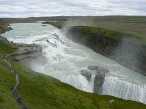 Gullfoss (Kuldne kosk) ja selle võimas kanjonorg