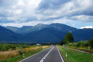 Taamal paistavad Tatrad. Fotod reisijate erakogust.